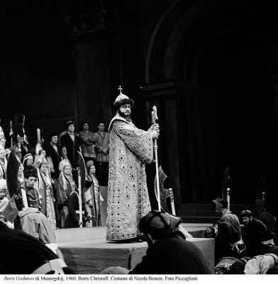 1-Boris Godunov di Musorgskij, 1960, Christoff. Costumi di Nicola Benois. Foto Piccagliani
