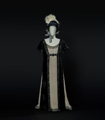 6-L'italiana in Algeri di Rossini, 1933. Costume di Caramba per Isabella (Castagna). Foto Francesco M. Colombo