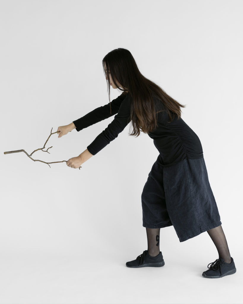 Sharon Lockhart, Nine Sticks in Nine Movements. Movement Six