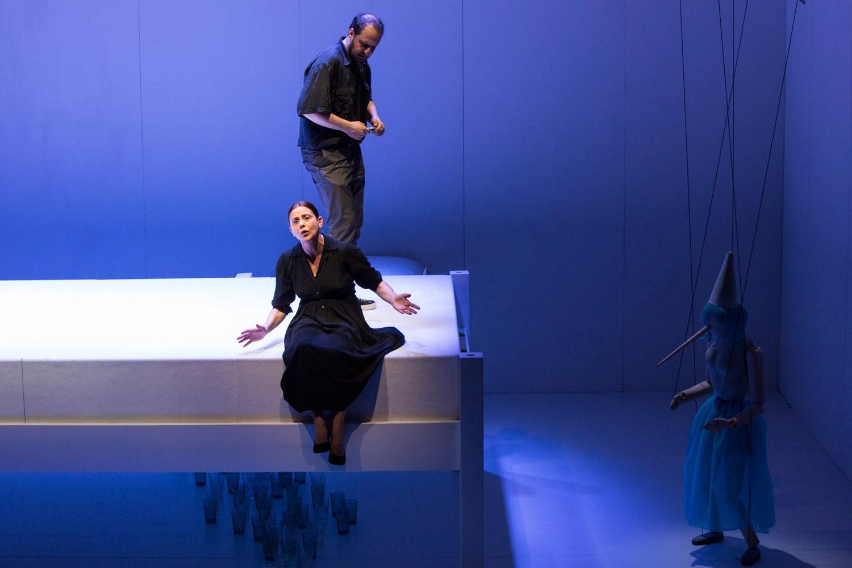 foto di scena di Regina madre (con Imma Villa) di Salvatore Pastore